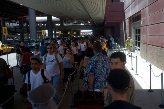 Taxi Line @ LAS-don't get stuck in this line!